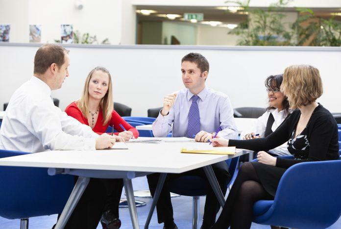 Contribuir com desenvolvimento dos funcionários