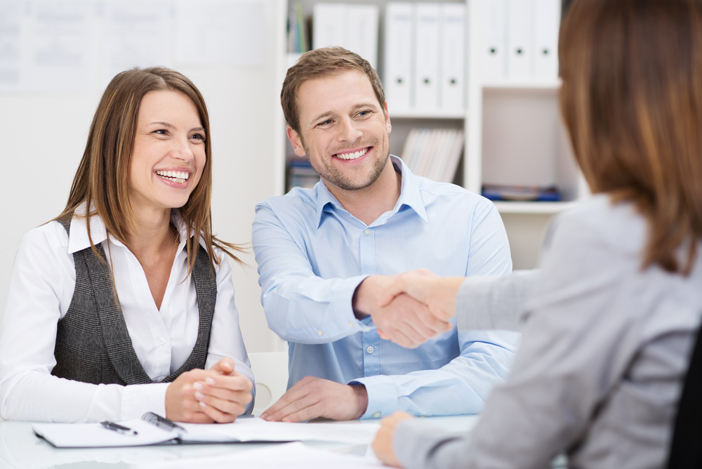 Compreender e superar as expectativas do cliente faz parte de um bom atendimento (créditos: shutterstock)