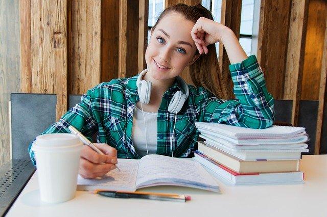 O valor de um curso de inglês, pode se dizer que varia de acordo com o seu objetivo