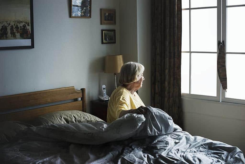 cuidador de idoso noturno