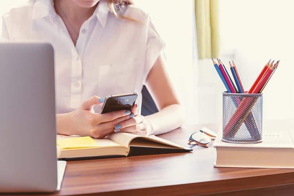 veja como formular um currículo de assistente administrativo