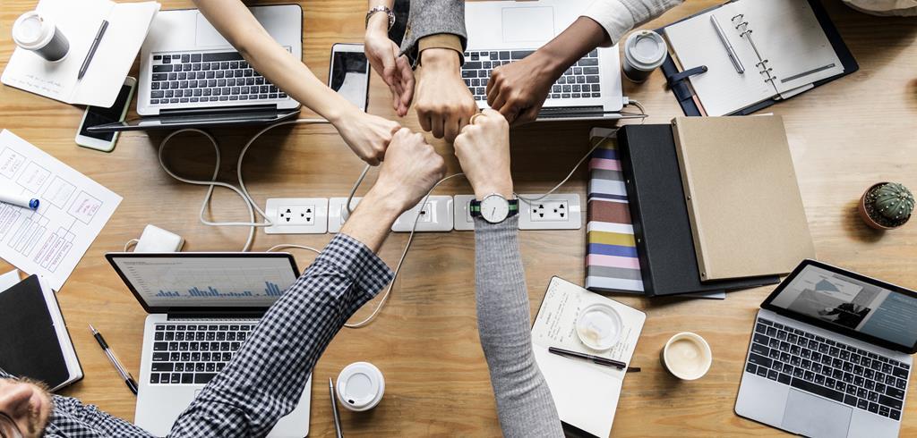 as startups são empresas em estágio inicial com ideias inovadoras que prometem solucionar a dor de um público específico