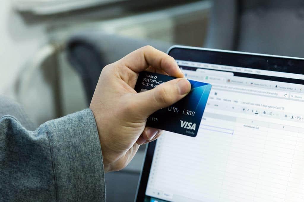 com o open banking não será mais necessário começar um relacionamento do zero com bancos para conseguir produtos como cartões de créditos e empréstimos