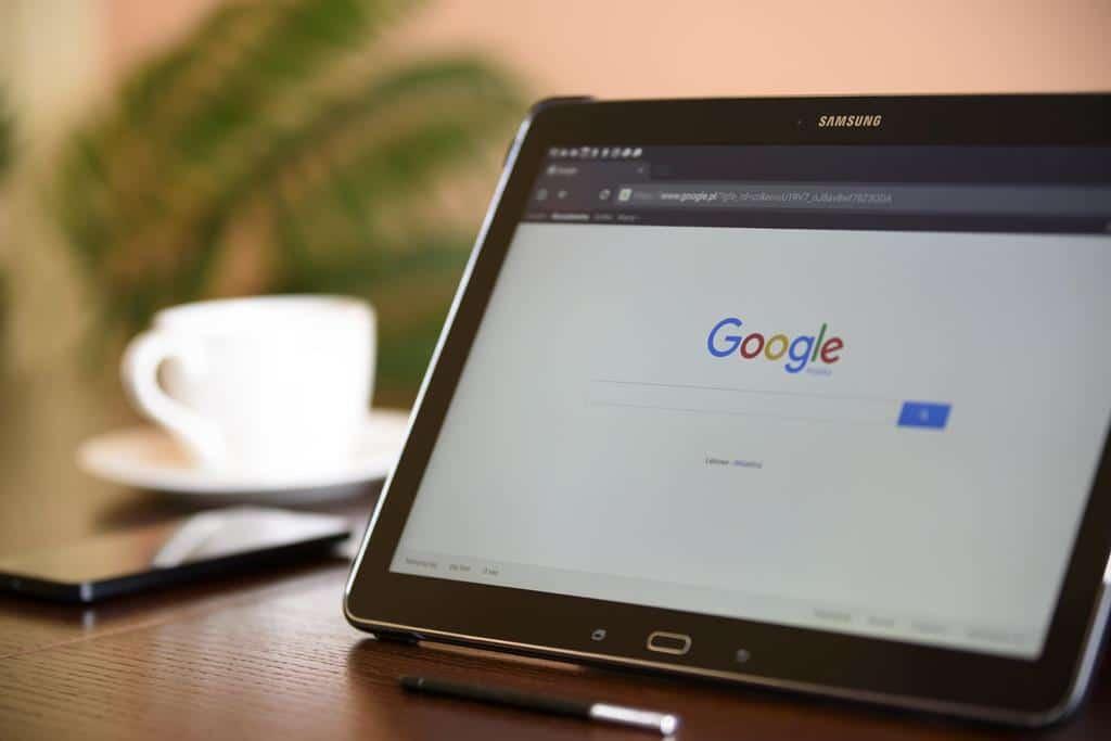 o SEO é usado para que a empresa consiga chegar nas primeiras posições em pesquisas do Google